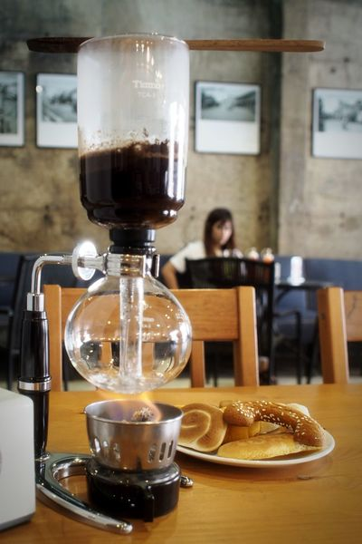 In The Cafe Relaxing Hello World Morning Coffee Coffee Sweet Enjoying Life Warm Light Cookies Bread Cafe Syphoncoffee