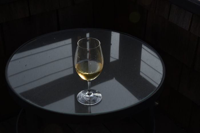 Chardonnay Wineglass Wine Wine Moments Wine Tasting Geometric Shape Glass Glass Table Top Glass Table Glass Tabletop Happy Hour Happy Hour! Happy Hours Happy Hour Everyday Happy Hours 。 Paint The Town Yellow