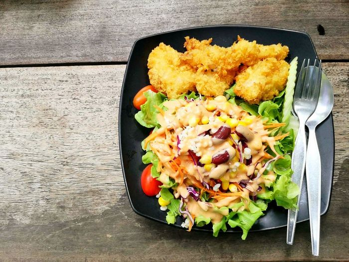 salad Wooden Floor Chiken Salad High Angle View Plate Vegetarian Food Close-up Food And Drink Salad Bowl Cherry Tomato Salad