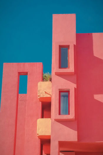 Walls of La Muralla Roja building located in Calpe, Spain Alicante Calp Famous Red SPAIN Architecture Background Blue Building Building Exterior Built Structure Calpe Color Costablanca Creative Day Famous Place Muralla Roja Nature No People Outdoors Residential District Sky Skyscraper Sunlight