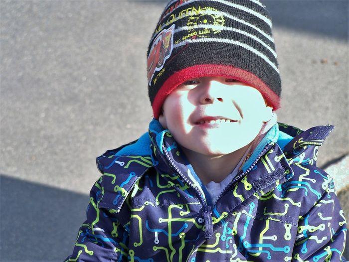 Kleiner Junge 18.02.2016 Belgern Junge,Spielen ,Kinder Klug Lachen Lieb Es 😊♥ Lebensfreude Mensch.allein.ohne Mama Mütze,Augen Tag