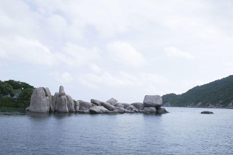 Clouds And Sky Hi Landscape Mountain Nature S Seascape Stones Surface Level