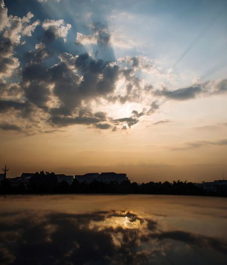 Sky Cloud - Sky Sunset Water Beauty In Nature Scenics - Nature Tranquility Tranquil Scene Nature Silhouette Orange Color Dramatic Sky Sea Environment No People Reflection Idyllic Outdoors