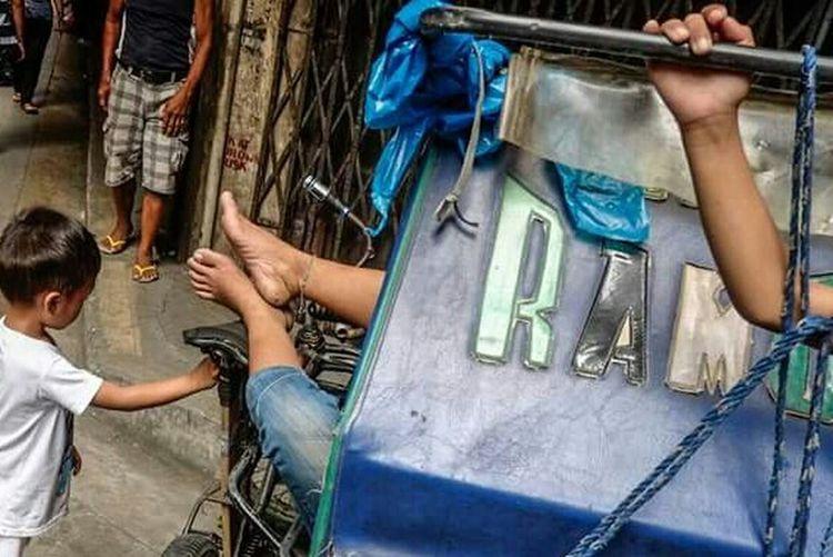 Street Style From Around The World Manila, Philippines Open Edit Open The Street Photographer - 2017 EyeEm Awards
