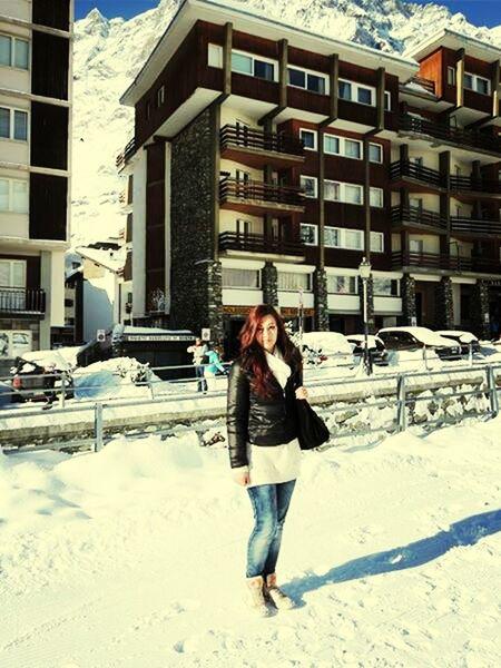 Snow Redhead Winter Dayoff