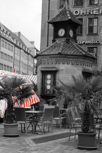 Nürnberg outdoors nuernberg blackandwhite clock tower Fresh on Market 20 Blackandwhite Outdoors Nuernberg Outdoors Nuernberg No People Building Table Chair City Tourism Decoration Architecture Tower Plant Building Exterior