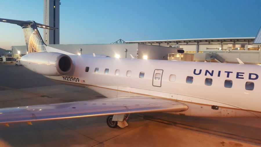 united airlines United Express United Airlines Airline Deicing Airportphotography EyeEm Selects