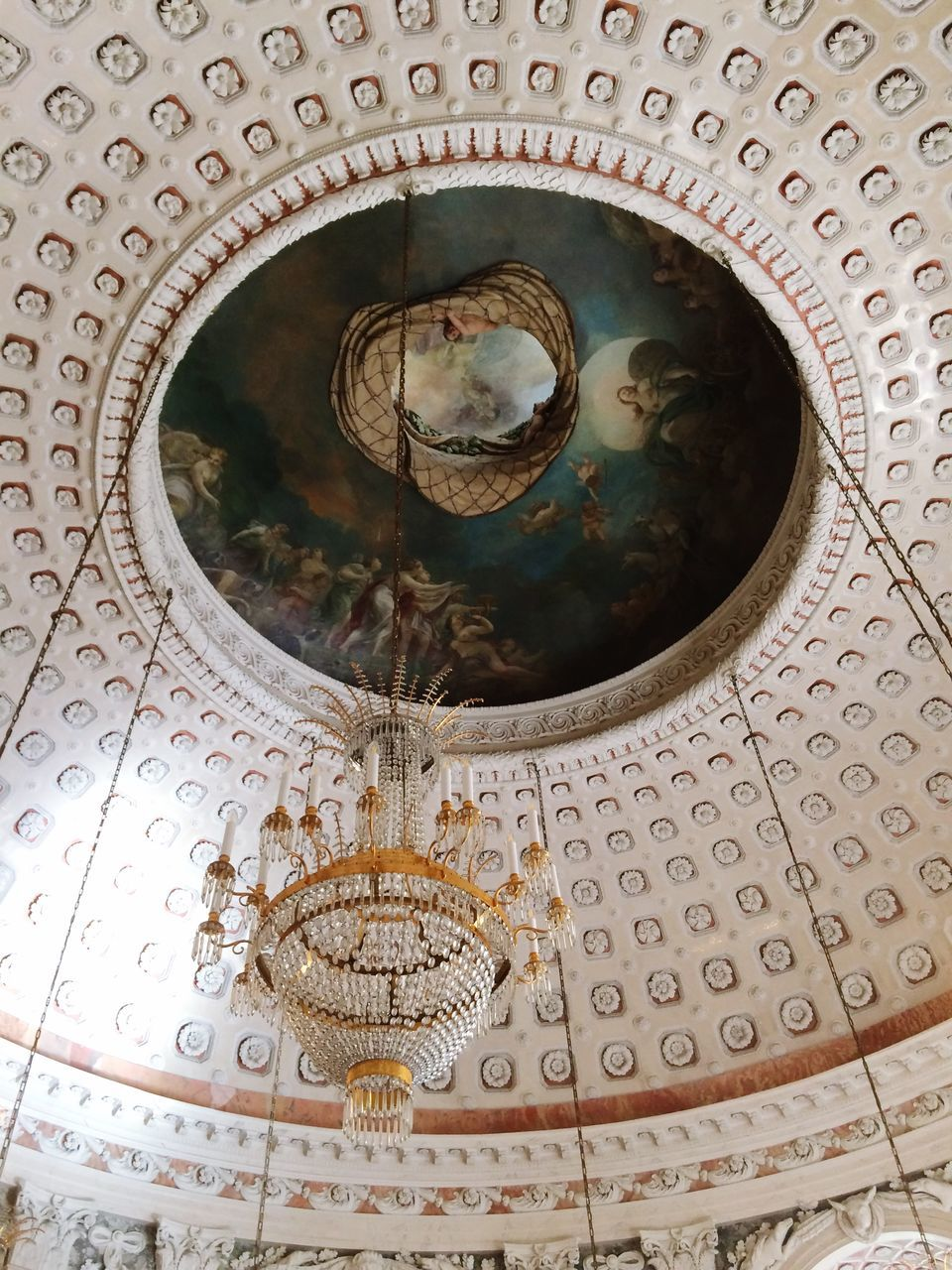 low angle view, indoors, ceiling, no people, built structure, architecture, pattern, architectural design, place of worship, day, close-up