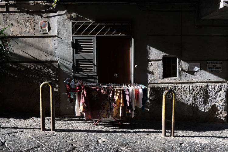 salita stella Napoli Streetphotography Streetphoto_bw Naples NaplesItaly Ig_street Ig_napoli Capturestreets Thestreetphotographyhub Myspc Streetphotographyinternational Bnw_demand Noir_shots EyeEm Selects EyeEmNewHere