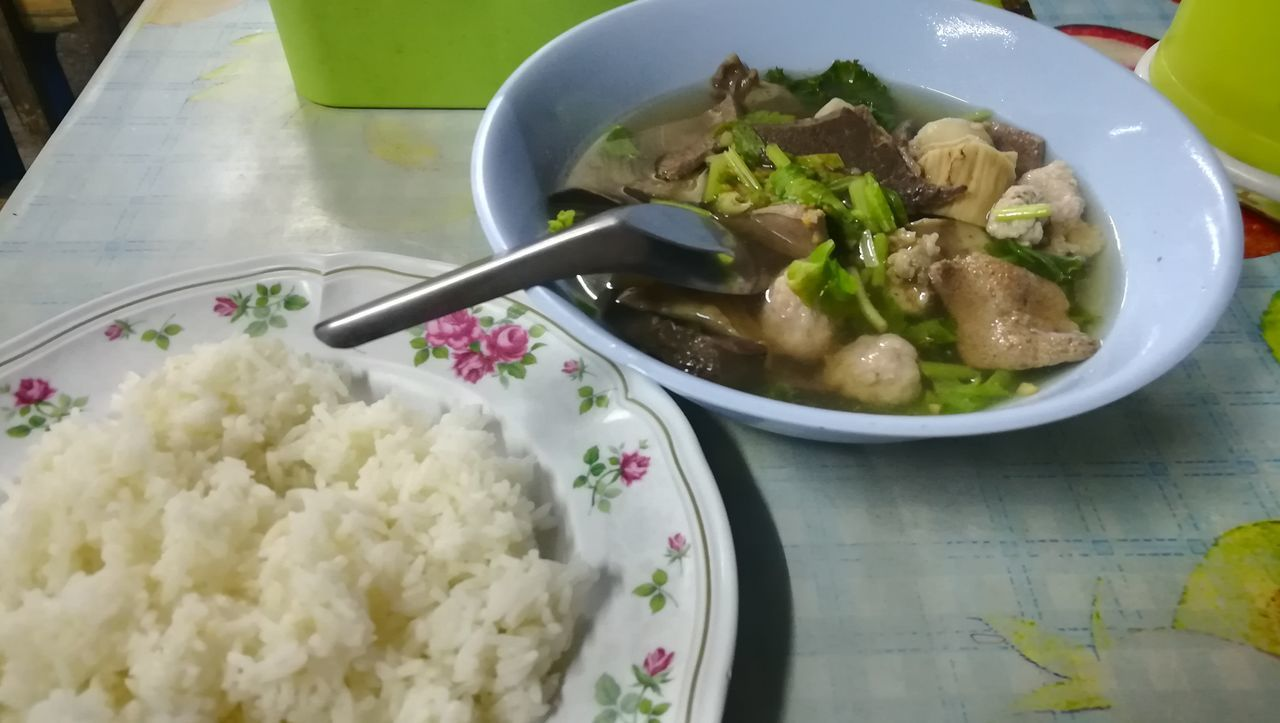 bowl, food, food and drink, rice - food staple, healthy eating, no people, freshness, indoors, table, vegetable, rice, ready-to-eat, close-up, day