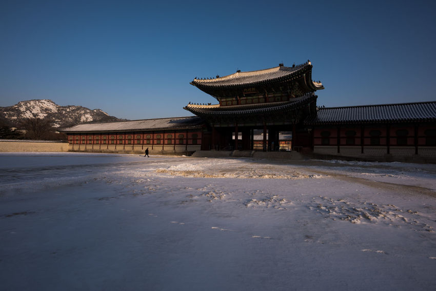 Beautiful winter morning at Kyoungbok Palace in Seoul, Korea Architecture Korea Kyoungbok Palace Seoul Seoul, Korea SeoulKorea Snow ❄ South Korea South Korea🇰🇷 Winter Architecture Building Exterior Built Structure Palace Seoul_korea Sky Snow Traditional Travel Destinations Winter In Korea 경복궁 경복궁 (gyeongbok Palace) 서울
