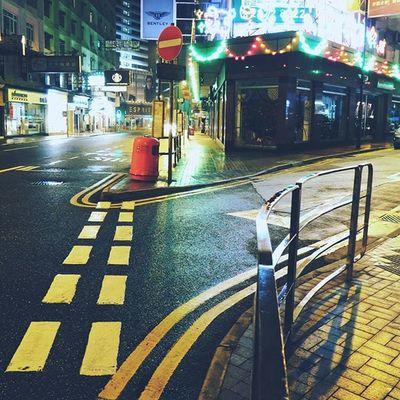 Night time at central hongkong Night Hk HongKong DigitalRev Light Dark Hkafterdark Hongkongafterdark Ig_travel @klikarbain