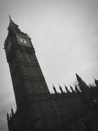 LONDON❤ Big Ben City Life England🇬🇧 Posh Bigben Cityscape Urban Tumblr Travel Photography EyeEm Best Shots Eye4photography  London EyeEm Nature Lover Hanging Out Street Photography Outdoors Enjoying Life