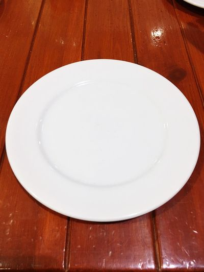 White and brown Empty Plate White Color No People Table Indoors  Close-up Empty Plate Day EyeEm EyeEm Best Shots