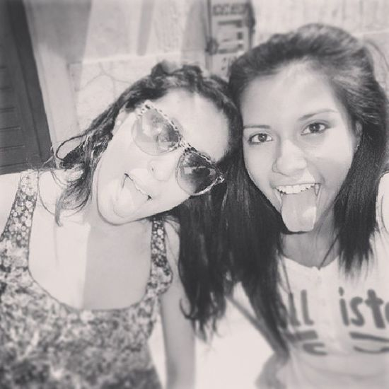 Tanto años de amistad. Sun Sunshine With Karol blackandwhite bff loveu instafiltro glasses we memes nice flaca malaga tagforlike tagsforlikes