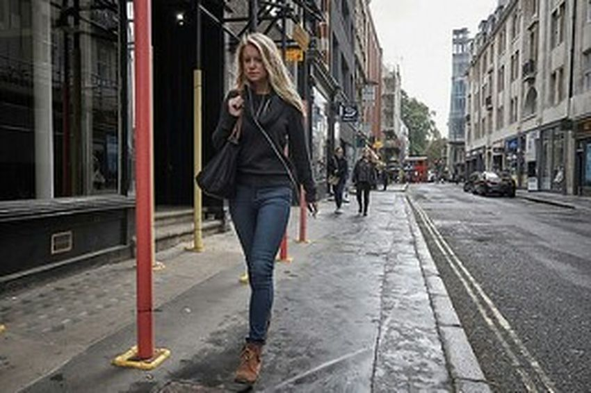 Building Exterior Casual Clothing City Life Young Adult London Calling Girl Long Hair Denim Jeans Urban Life Fitzrovialitter LONDON❤ Candidshot Streetphoto Londonstreets Candid Photography Londononly London London London!!! Street Photography Streetphotography Streetlife Street Photo Walking Urban Fitzrovia