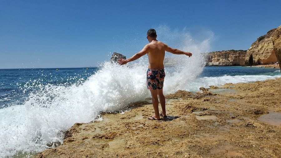 Adventure Club Waves Waves, Ocean, Nature Waves Crashing Waves And Rocks Sea Sea And Sky Seaside Seascape Orixa Yemanja Orixas Nature_collection Real People Vibes Vibepositiva