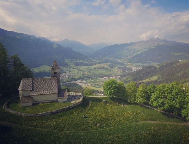 ◾▪🔹Falera🔹▪ ◾Phantom Phantom 3 Dji Dji Phantom Drohne Photooftheday Photo Photographer Tagsforlikes Church Switzerland Switzerlandpictures Graubünden Falera Switzerland_vacations Schweiz Follow4follow Likeforlike Like4like The OO Mission 43 Golden Moments
