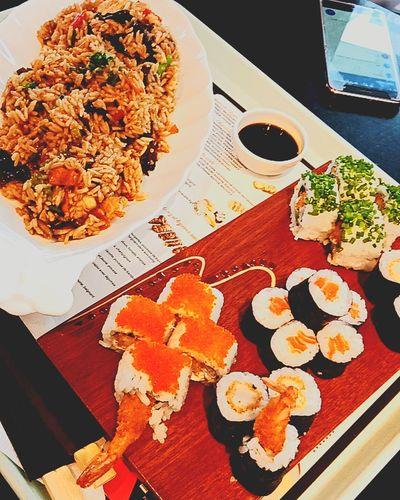 miaaaaaam 😍 #maki #SushiRoll #asian#food Food Ready-to-eat