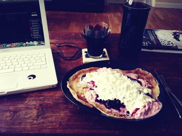 Stadigare Pannkaks Lunch Med Mye Keso