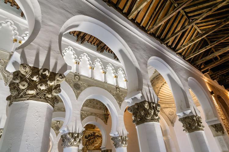 Indoor view of santa maría la blanca, saint mary the white, synagogue in toledo
