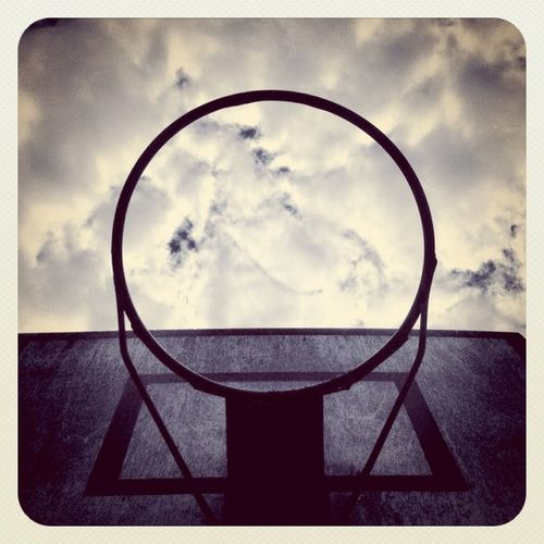#basket #badketball #earlybirdlove #jj #jj_forum #sky #clouds #alaniskoeblove Alaniskopop Badketball Clouds Basketball IPhoneography Play Sky Sport Popular Perspective Basket Jj  Earlybirdlove Jj_forum Popularpage Alaniskoeblove