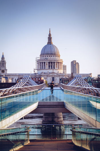 London St Paul's Cathedral Architecture Building Exterior Built Structure City Clear Sky Day Dome Lonelyman Outdoors Real People Sky Streetphotography Tourism Travel Destinations