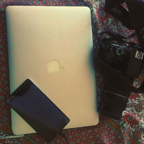 Macbook_air Canon Eos1100D Redmi Insta_click Insta_edit Insta_upload