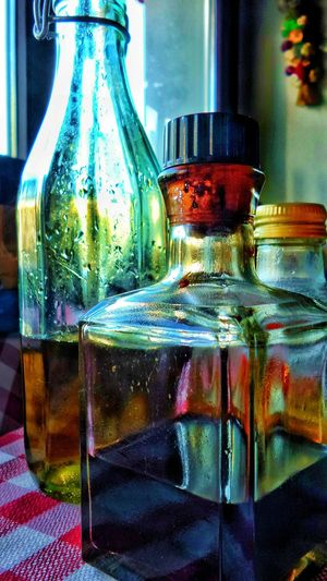 Bottle Close-up No People Indoors  Multi Colored Freshness Table Focus On Foreground EyeEm Selects Oel beim Italiener
