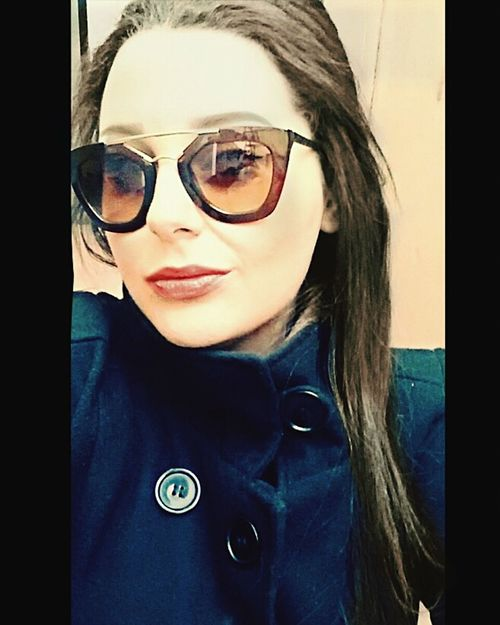 I't a sunny day ... 🌞🌞🌞 Sunnydays 🌻 Happydays😎 Sunny Winter Day Sunglasses Makeupdone Eyes Cat Haveagoodtime Cool Ready To Go Workday MyLips Inlovewithmylipstick Notmyfirsteyemphoto Eyeemlover