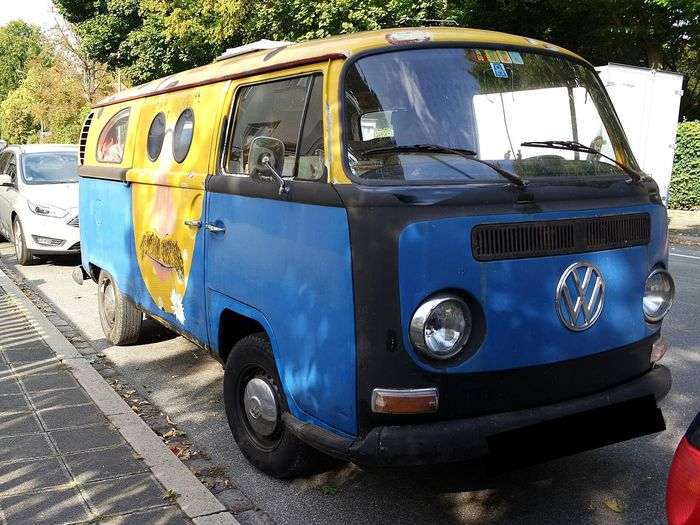 Bulli 😍 Hippielife Hippielove Blue Van Sunshine Hippievan Love♡ Just Smile  Vintage VW Bullilove Streetphotography Streetlife VW Bus Round Lights Blue Van VW Bulli Really Cool Funny Oldtimer Land Vehicle Sky Vintage Car Parking Vintage Retro Van EyeEmNewHere