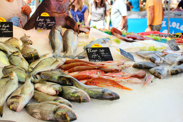 Aix En Provence Fish Food Food And Drink For Sale France France 🇫🇷 French Lifestyle Healthy Eating Market Market Market Stall People Price Tag Provence Shopping