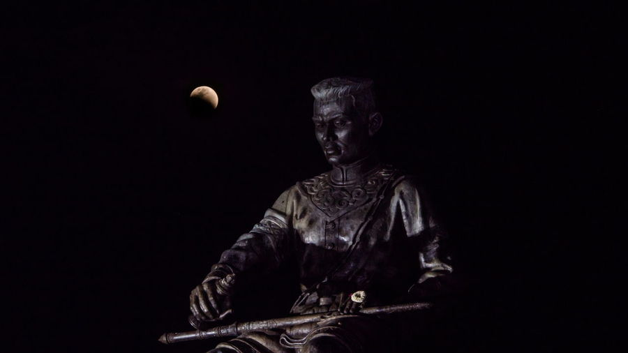 King Naresuan With Lunar Eclipse ASIA Asian  Naresuan University Naresuan Cenotaph Landmark Memorial Planetary Moon Moon Surface Eclipse Moonlight Space Space Exploration Astronomy Half Moon Moon