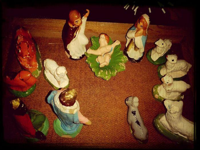 Pesebre Navidad hermoso acto de amor... Cristo hombre...por amor!