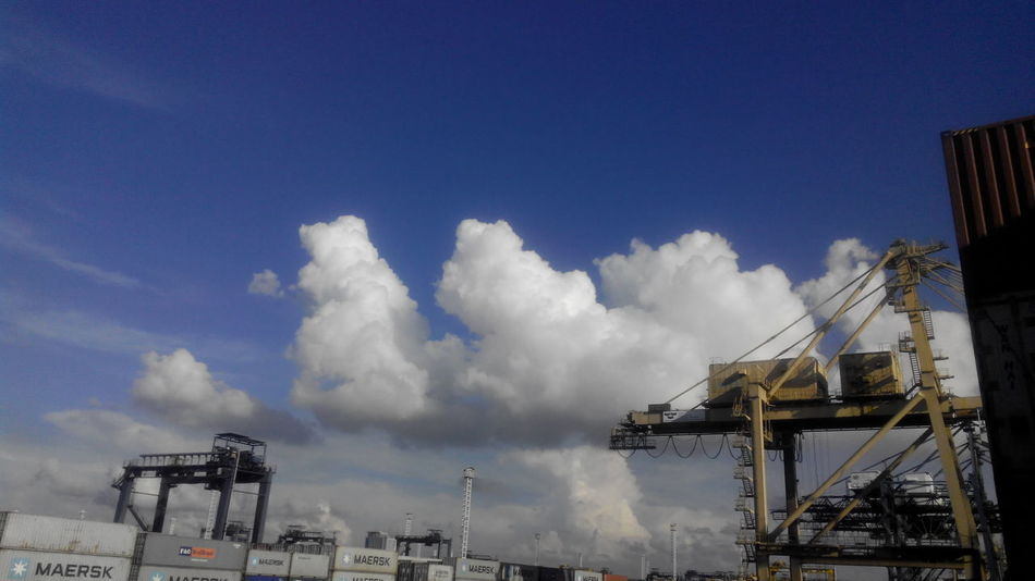sky noon time on jict port