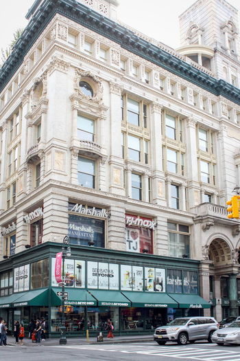 New York, USA - 27 September 2016: The Siegel-Cooper Building at 616-632 Sixth Avenue in the Flatiron District of Manhattan, New York City, within the Ladies' Mile Historic District Central Manhattan New York Shopping Siegel-Cooper Building Sixth Avenue Architecture Building Exterior City City Life Day Land Vehicle Marshalls Outdoors Road Sky Street