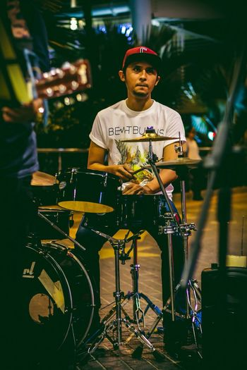 Streetpeople Everybodystreet Capture The Moment Streetphotography Awesome_shot Best Moments Busking Damansara Kuala Lumpur Malaysia  Up Close Street Photography