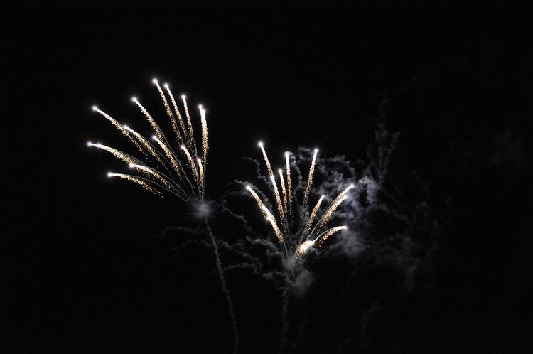 Fireworks Arts Culture And Entertainment Black Background Celebration Exploding Exploding Fireworks Firework Firework Display Illuminated Motion Night No People Outdoors Sky Sparkler Sparks