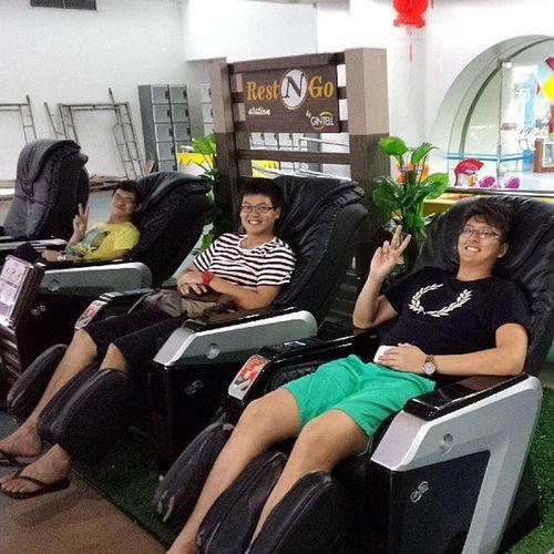 Hahahahaha enjoying massage chair! RM1 3 minutes nia lol cheap hahahahaha. Massage Fun JB