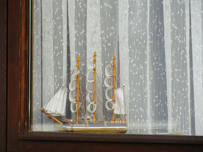 Close-up Window Frame Curtians Nautical Vessel Model Lines, Shapes And Curves ミーノー!! Break The Mold