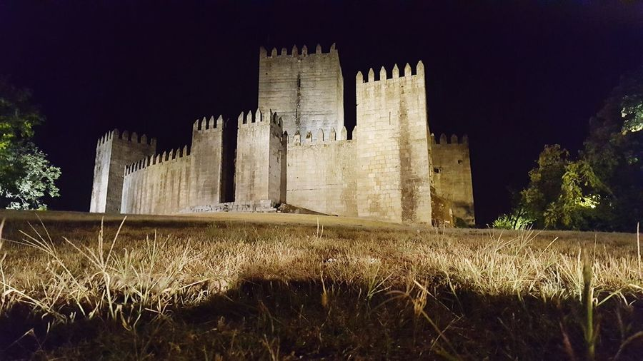 Night Outdoors No People Architecture Building Exterior Nature Sky Majestic Architecture Monuments Monument Palace Built Structure Travel Destinations Ancient Civilization Old Ruin Monumentos Portugal King - Royal Person History Ancient Backgrounds Nature Grass Beauty In Nature HUAWEI Photo Award: After Dark