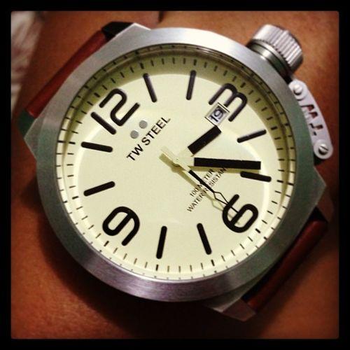 Puro na lang man of steel. Para maiba naman, TWSteel .. ✌😁❤⌚ Twsteelwatch Twsteelcanteen Collection bigwatch