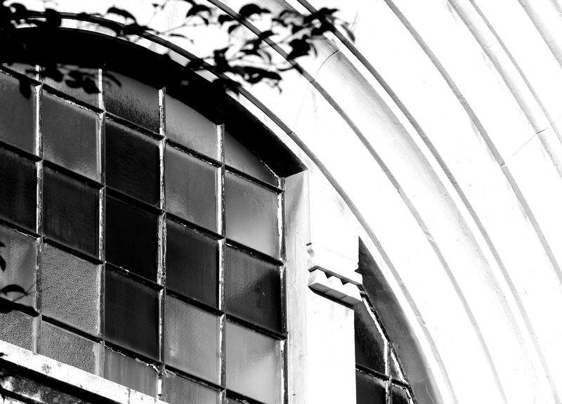 Croce Alberi Ambientazione Esterna Archi Strombati Architecture Balck And White Biancoenero Building Exterior Built Structure Centro Storico Di Messina Chiesa Church Cross Shape Inverno Italy Low Angle View Messina No People Outdoors Place Of Worship Sicily Vetrate Winter