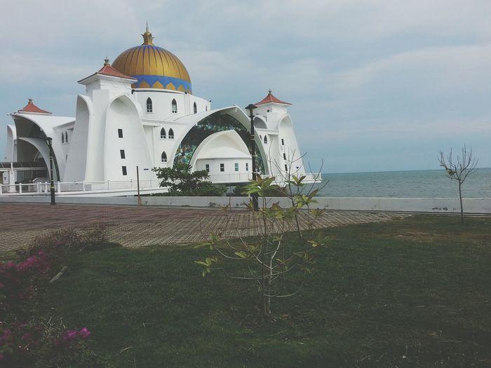 Masjid Selat. Mosque Praying Peace And Love Enjoying Life Soul Searching