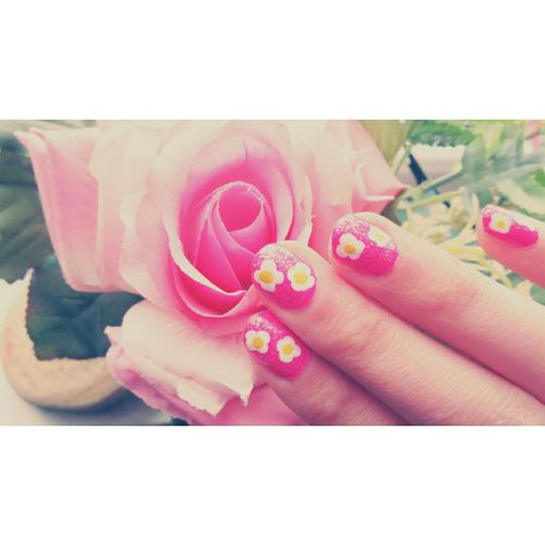 flowers! ^_^ or scrambled eggs? Nailart  Flowernails