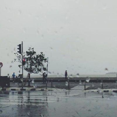 Just another rainy day. ☔ Mumbai Mumbairains VSCO _soi Wearemumbai Mumbaistagam Mumbaiwallet Indiaclicks Createcommune Mosoon Rain Marinedrive My_mumbai Xplorur Minimal Xiaomiclick Migweek_6 Mumbaistagram Afadingworld