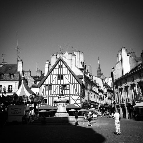 Place François Rude, Dijon Architecture Streetphotography TheMinimals (less Edit Juxt Photography) Shootermag Mobilephotography Blackandwhite Monochrome Dijon