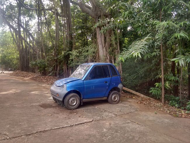 Brand new car for sell Broken Old Car Day Funny Car Funny Pics Land Vehicle Mode Of Transport My Old Car Old Car Outdoors Stationary