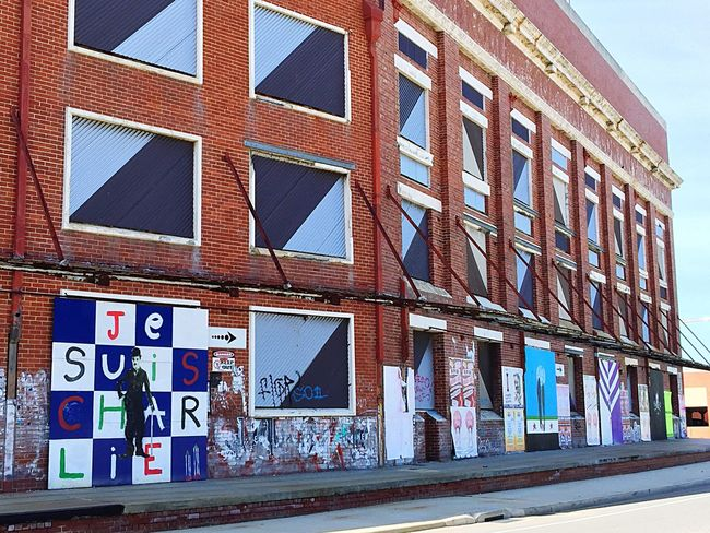 Building with Urban Art: Fremantle Brick Wall Advertisement Lines&Design White Blue Art Western Australia Fremantle  Building Exterior Graphic Design Expression Artistic Outdoor Mural Street Art Street Street Photography (null)Urban Art (null)Graffiti Art Urban Tagging Architecture Venting Visual Statements