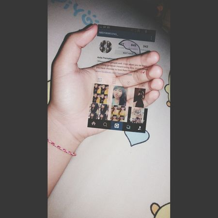 Oh wow! My instagram on my hand 😝💗👅✌ Instagram On My Hand